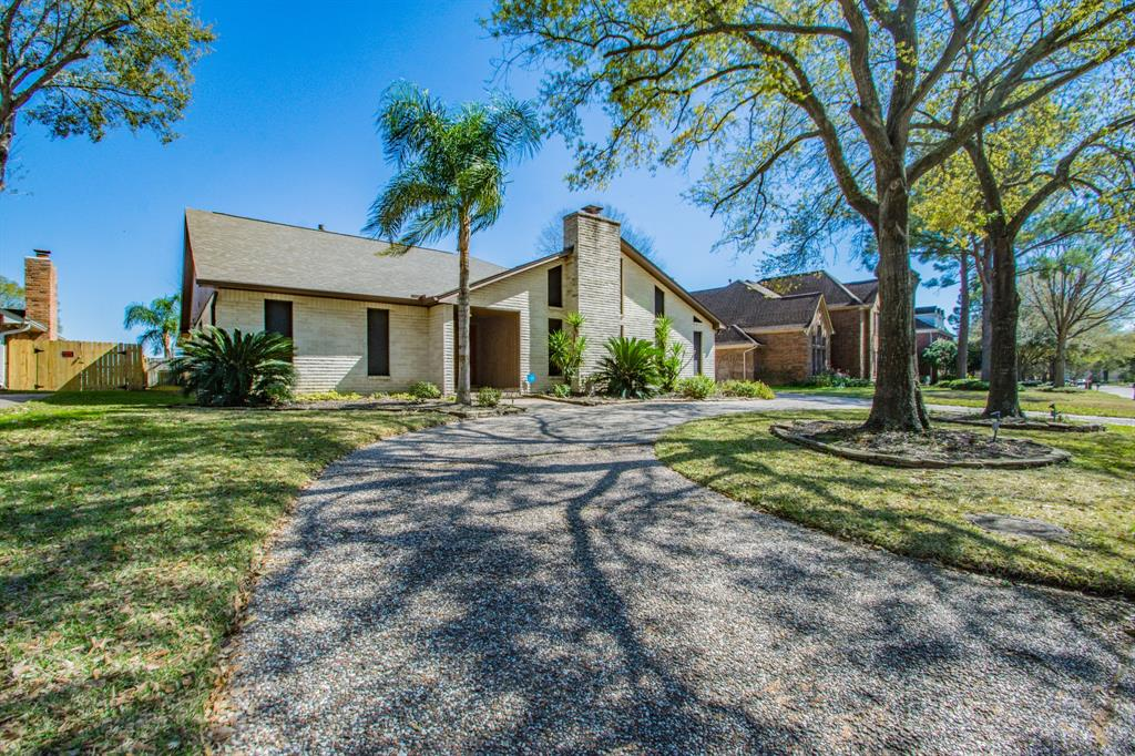7302 Blenheim Palace Lane, Houston, TX 77095