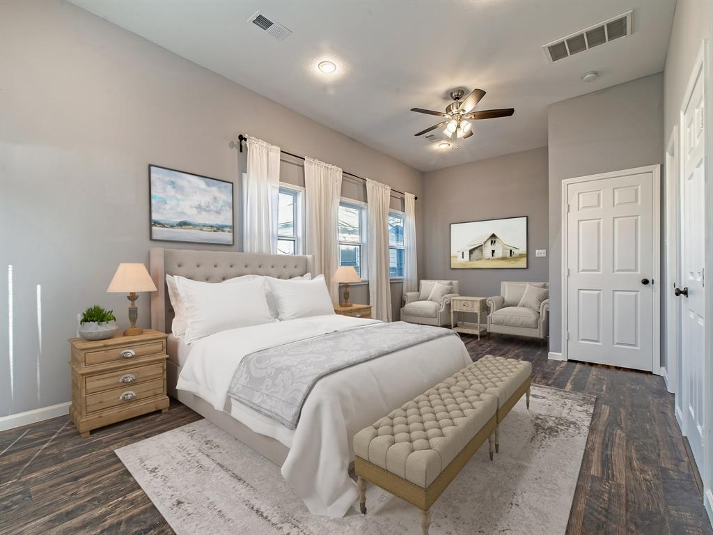 Amazing master suite with sitting area nook or office. (Virtually Staged)