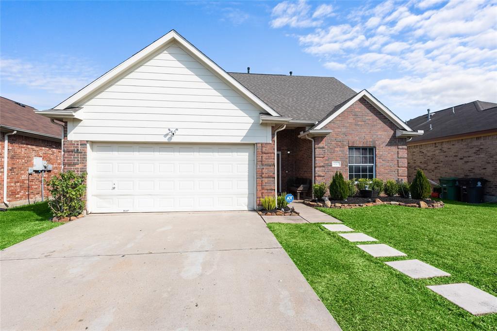 10707 Katya Gillian Drive, Houston, TX 77034
