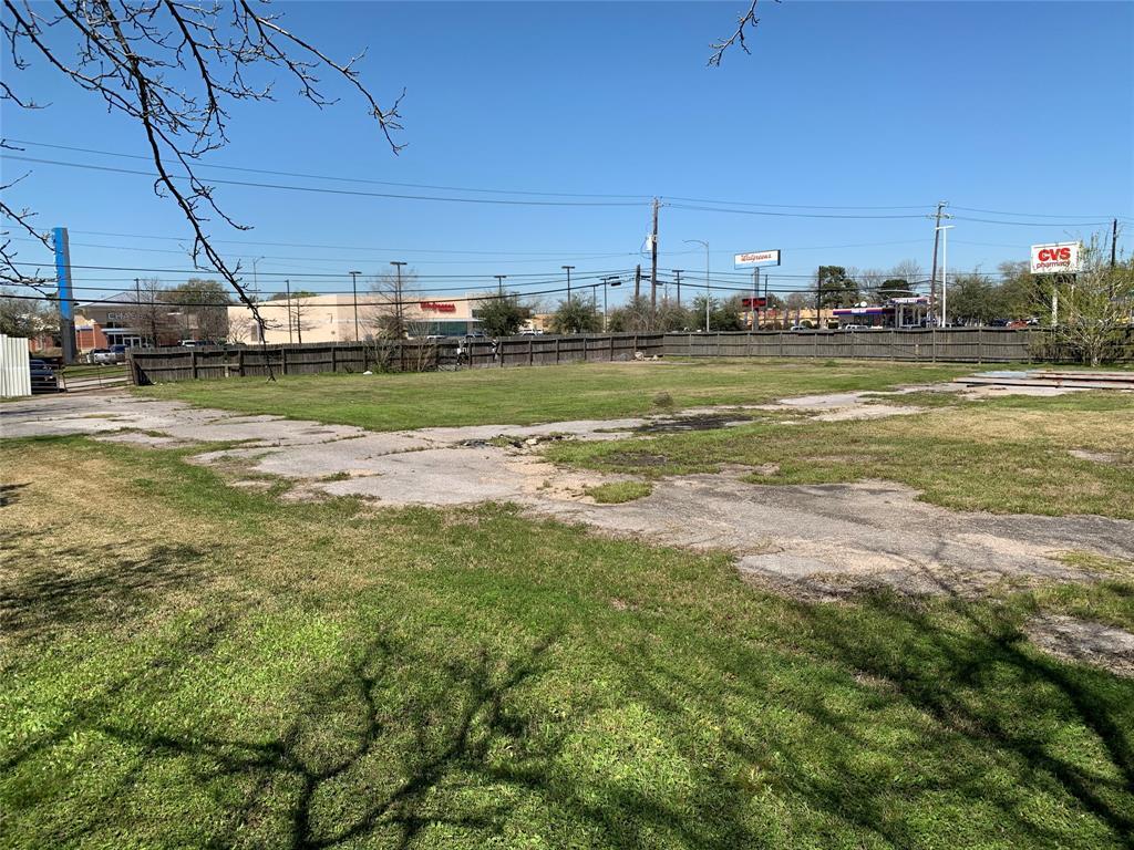 1500 N Alexander Drive, Baytown, TX 77520