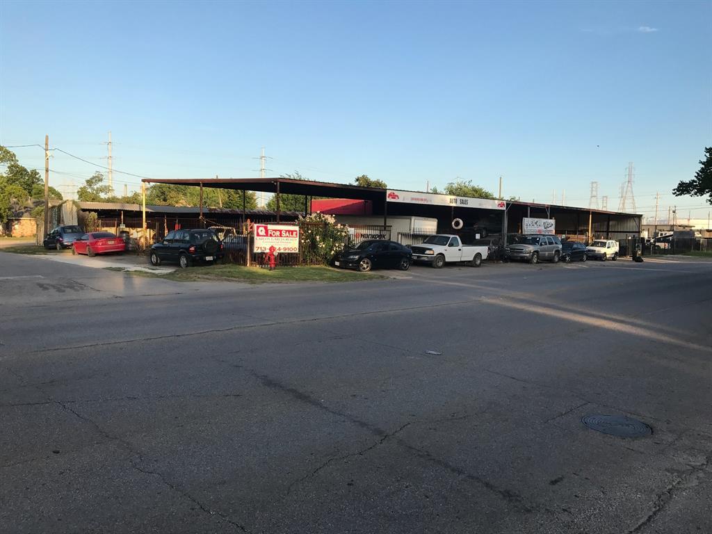 205 Holland Avenue, Galena Park, TX 77547