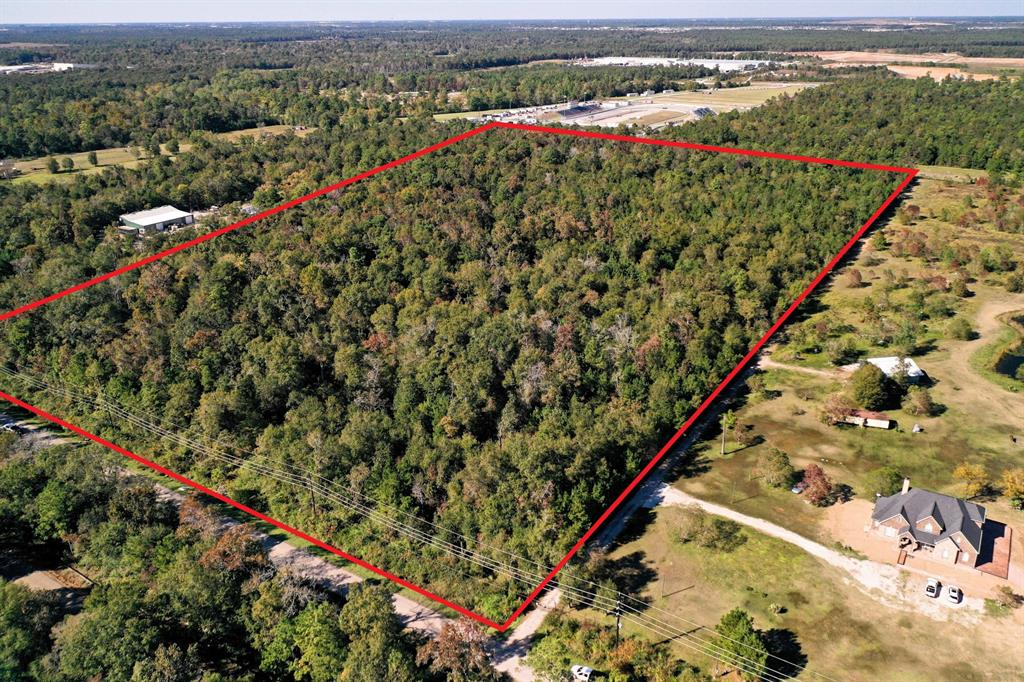 Prime investment opportunity. 33 Acres of raw land. Located just off the Beltway 8 on Garrett Rd. 870' of frontage on Garrett Road. The location has Elementary, Middle and High Schools in close proximity, as well as private schools and Medical Facility's.  This is a prime location for a housing development or commercial conversion. Garrett road runs into Lake Houston. There are multiple parks, hospital and recreational activity's very close to this site. Proximity to Beltway 8 makes this location easy to access to Houston proper.