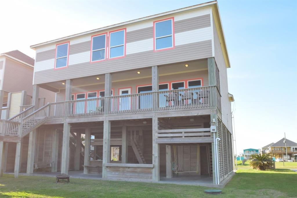 1124 Blue Water Drive, Crystal Beach, TX 77650