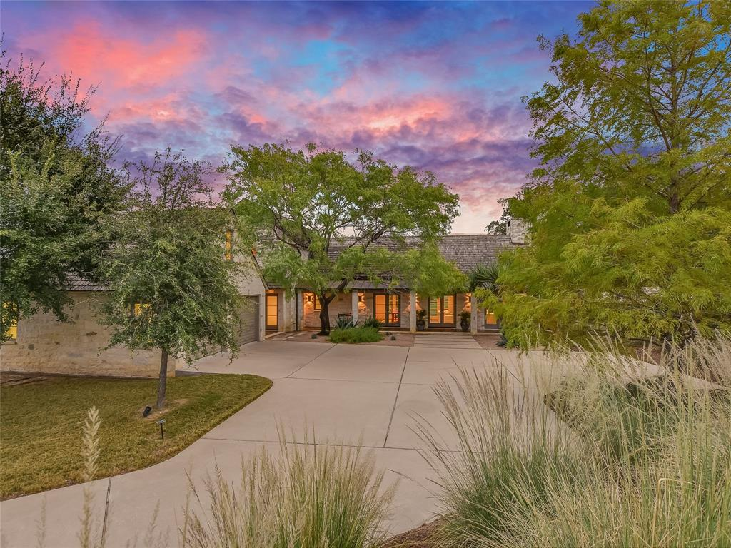 160 Hidden Springs Court, Spicewood, TX 78669