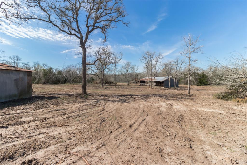 221 Old Waelder Road, Flatonia, TX 78941