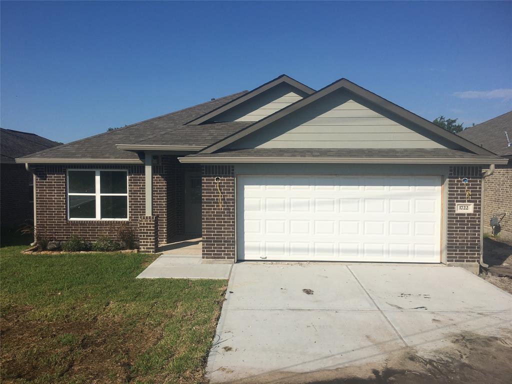 1722 Ave J, Danbury, TX 77534