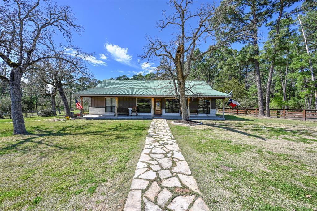828 Owl Creek Road, La Grange, TX 78945