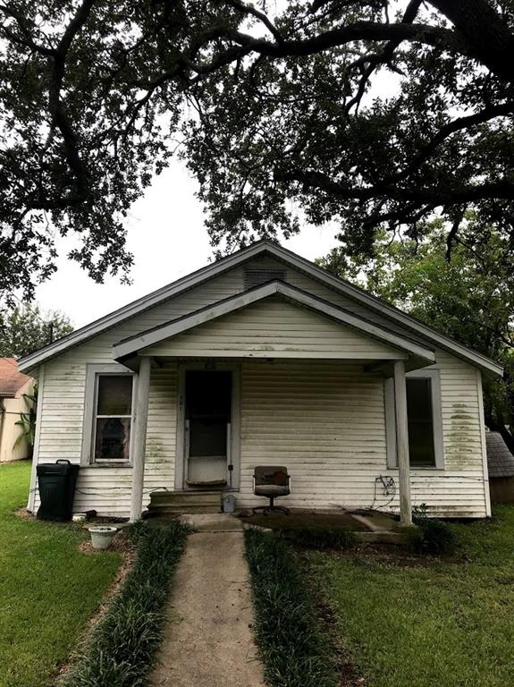 106 Oak Street, Port Neches, TX 77651