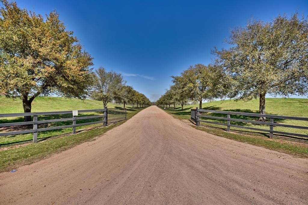 800 Wilpitz, Brookshire, TX 77423