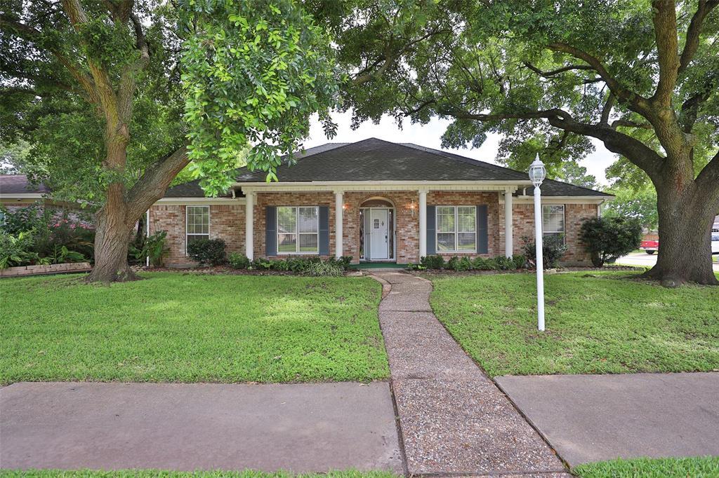 9302 Twin Hills Drive, Houston, TX 77031
