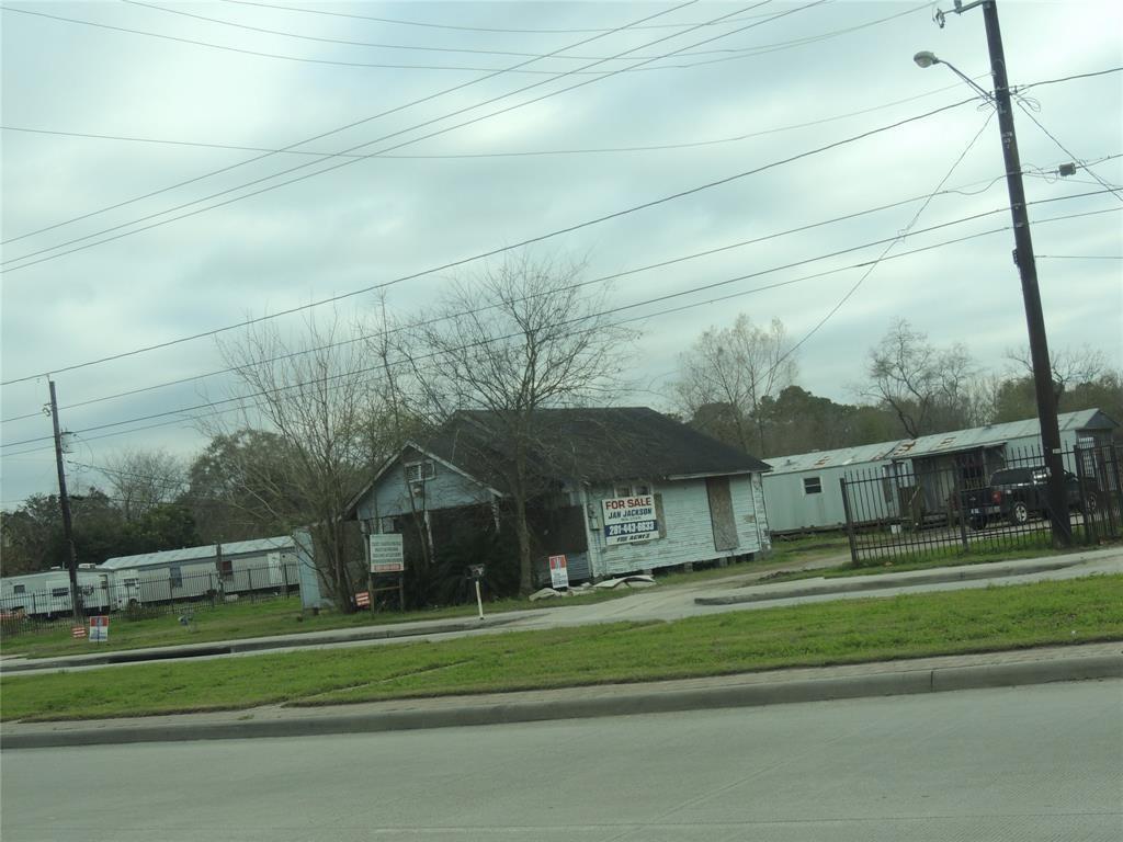 1318, 1324 Aldine Mail Route Road, Houston, TX 77039