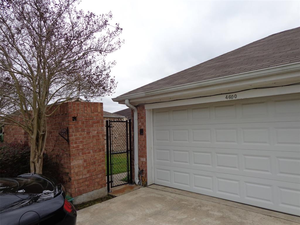 4600 Briarwood Lane, Port Arthur, TX 77642