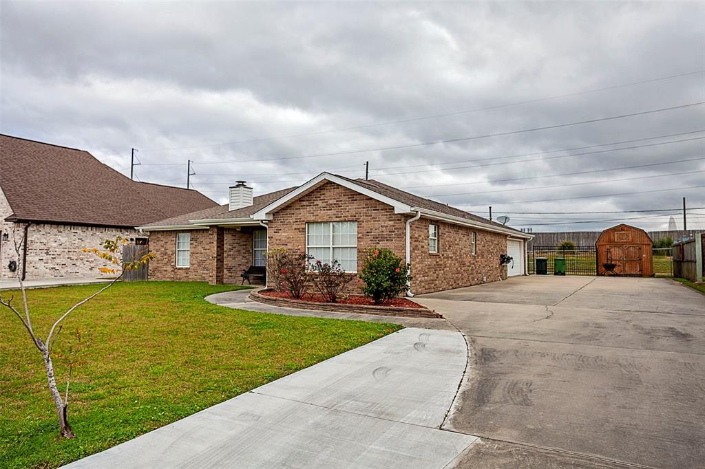 2736 Oxford Drive, Port Arthur, TX 77642