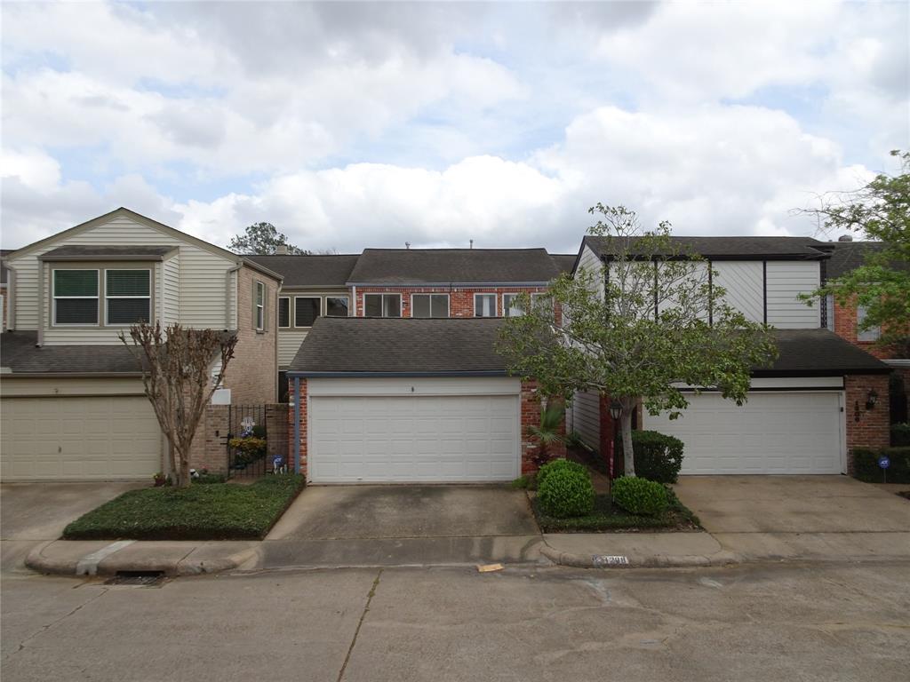 1208 Fountain View Drive 188, Houston, TX 77057