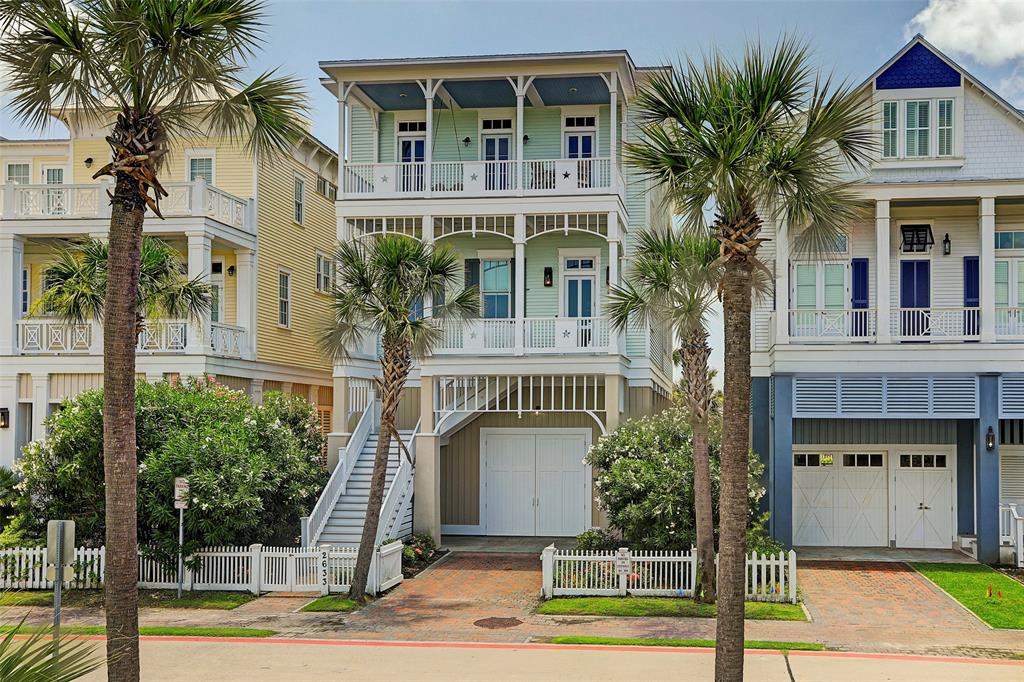 2633 E Seaside Drive, Galveston, TX 77550