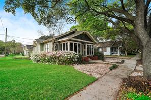 1102 Algregg Street, Houston, TX 77009