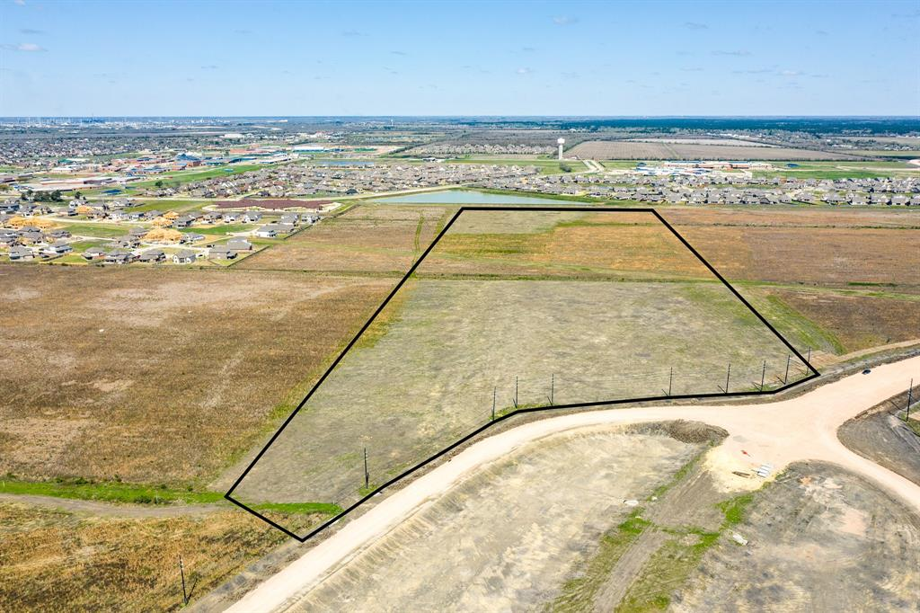 New property listing:  Prime offering for residential and commercial development in Mont Belvieu area.