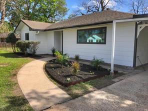 303 Live Oak, Baytown TX 77520