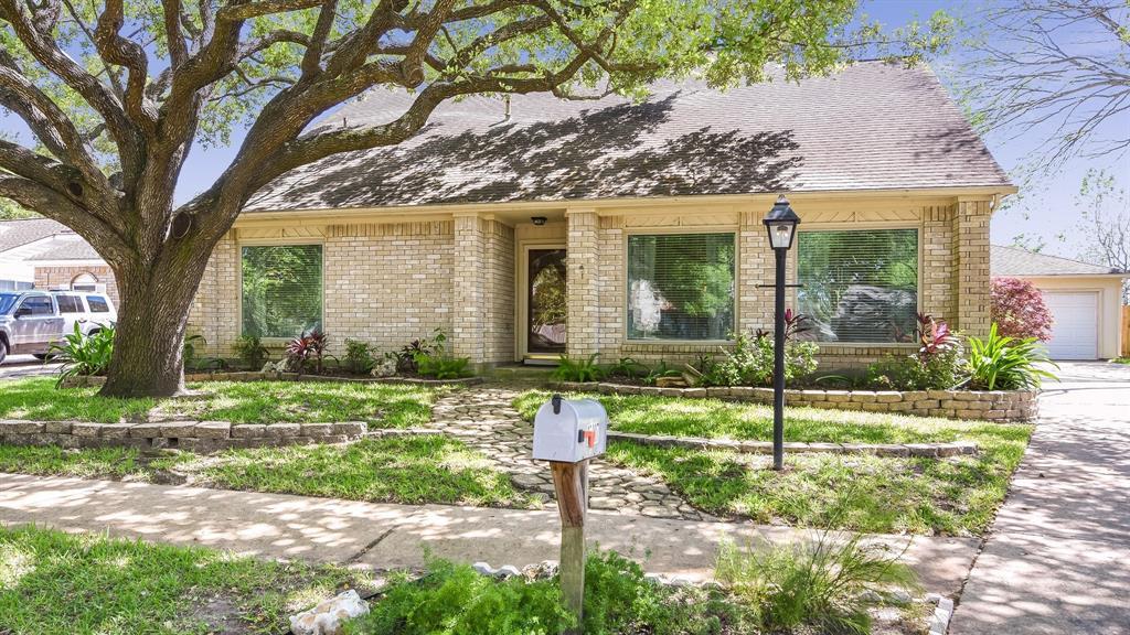 15007 Radwell Court, Houston, TX 77062