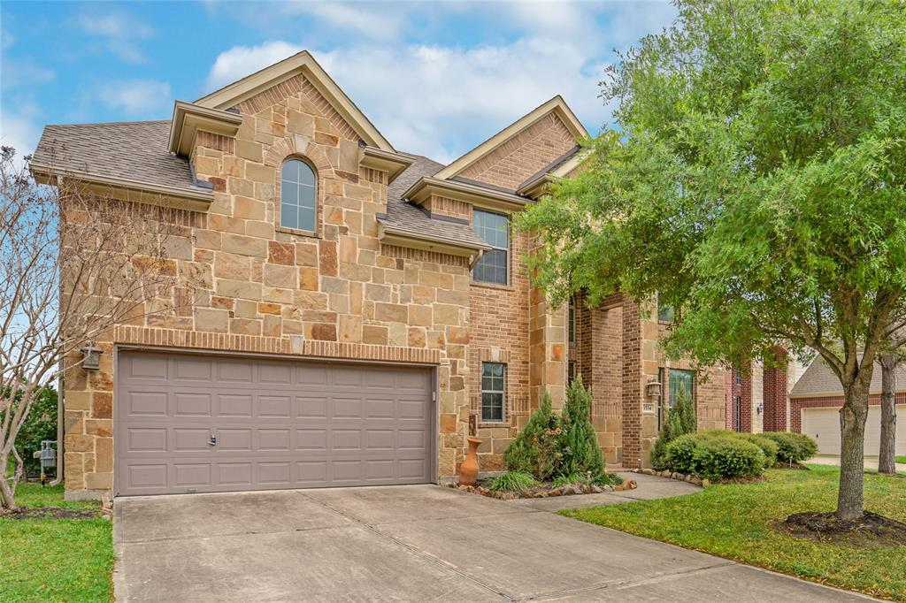 Looking for a little bit of paradise, where you can see the stars at night, hear the birds chirping, well WELCOME TO 1534 KENT VALLEY, LOCATED IN THE RESERVE AT BRAZOS TOWN CENTER, this gorgeous home with the Rotunda upon enter, the flowing Open Concept, walls of windows, & neutral color tones is move in ready and looking for its new family.  The home offers, a Game room and Media room upstairs and larger sized bedrooms.  Located in the heart of Fort Bend County, minutes away for 69, close to cafes, shopping.  Enjoy a little bit of country living knowing you are just minutes away from the city.  Come live the life you meant to live in the 4 bedrooms, 3 full, 1 half bath, Media room and Game Room with so much space.  This dream kitchen is any chef delight, with huge island and breakfast bar and plenty of meal prepping space.  Enjoy your wall of windows to your backyard paradise.  Make you appt today to see this gorgeous home.