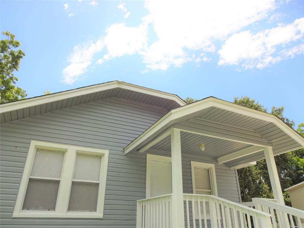 318 E Live Oak, Hungerford, TX 77448