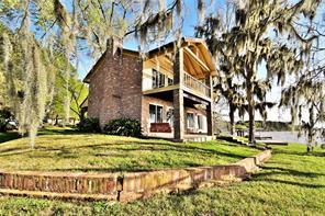 466 Cedar Ln, Livingston, TX 77351