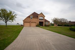 2702 Lake Point Drive, Texas City, TX 77590