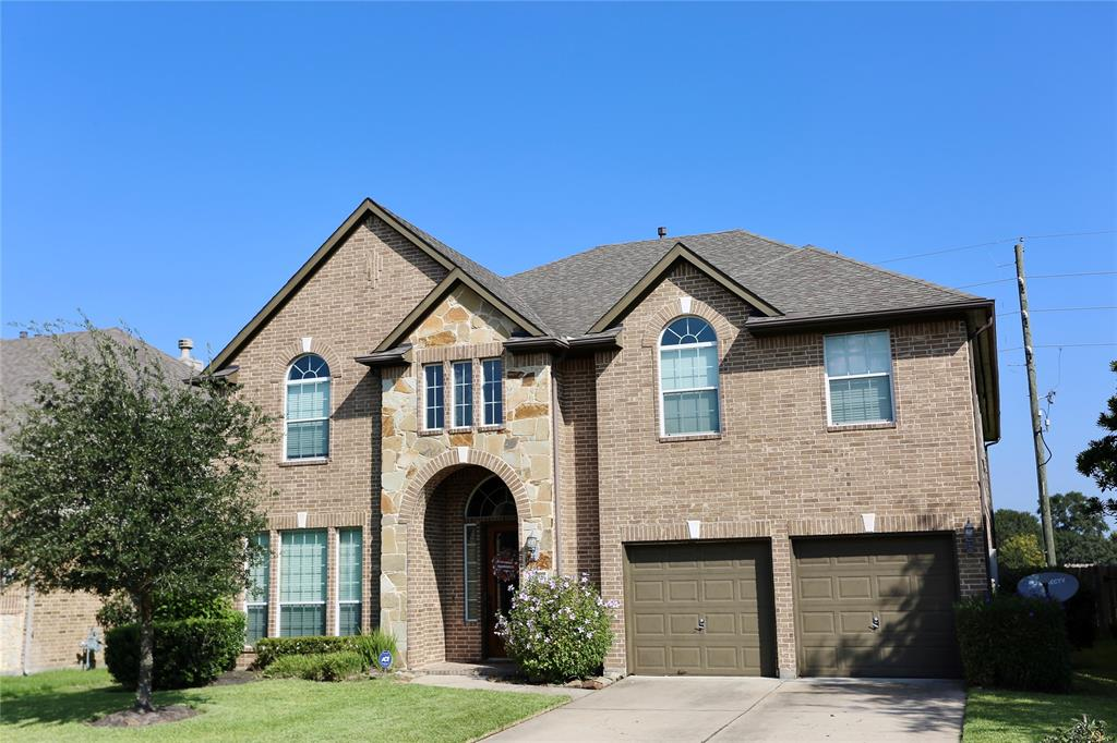 Beautiful 5 bedroom house in Northcrest Village subdivision. Property features high ceilings, spacious island kitchen, Granite counter top, Media room, large living area with fireplace. With a scenic Backyard, area pool and much more. This property is a must see!!