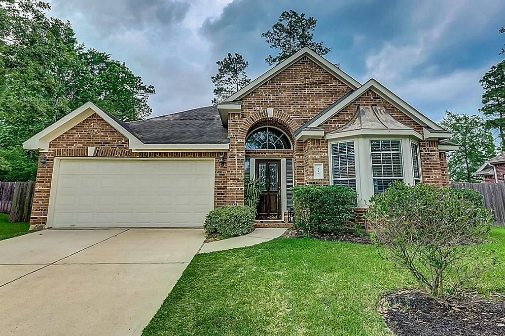 Cozy home, wonderful location in a cul de-sac, walk to Tough elementary, park and pool. Home is very well maintained, nice formal and dinning area, the kitchen has granite counter tops, built in desk and pantry. Beautiful back yard and covered patio. NEW LAMINATE FLOORS! MUST SEE!