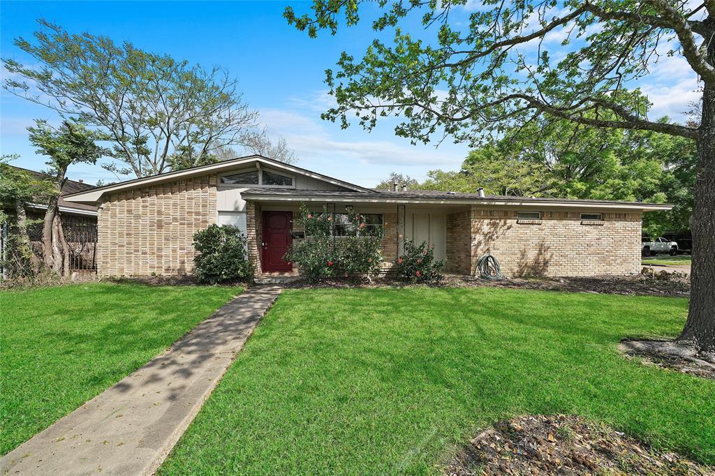 7897 Broadview Drive, Houston, TX 77061