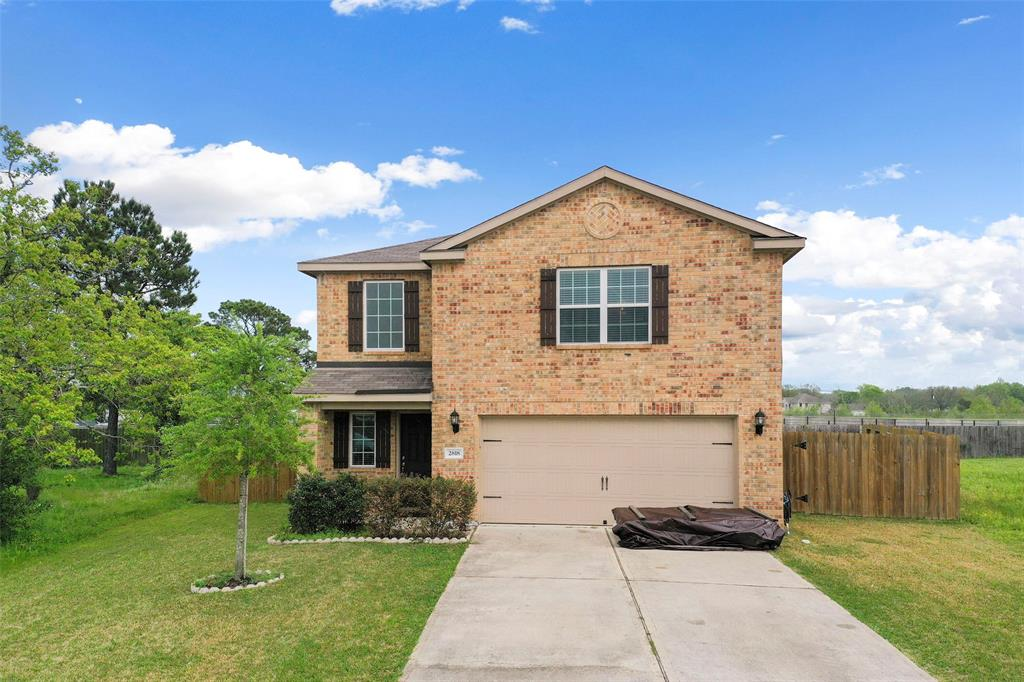 2818 Tracy Lane, Highlands, TX 77562