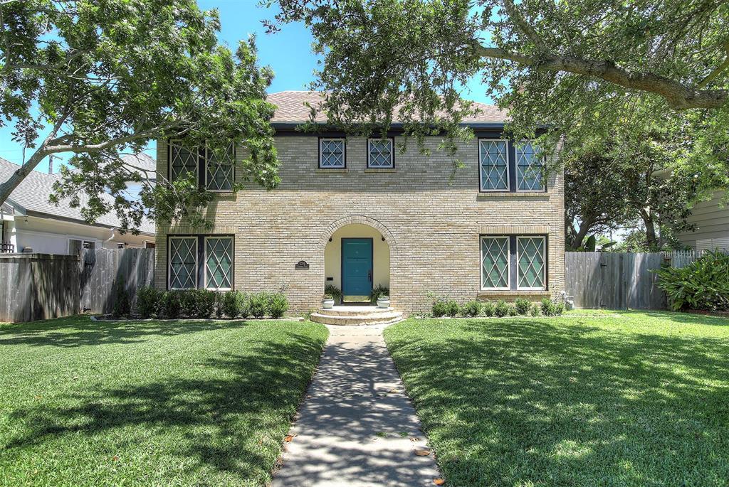 4708 Caduceus Place, Galveston, TX 77551