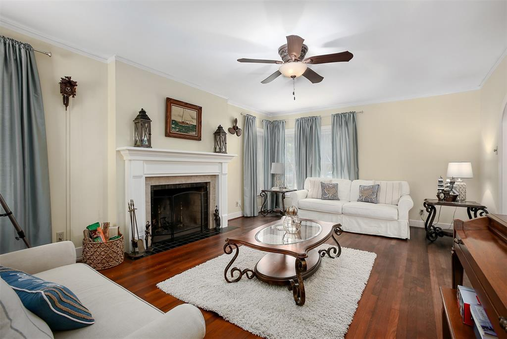 4708 Caduceus Place, Galveston, Texas 77551, 3 Bedrooms Bedrooms, 6 Rooms Rooms,3 BathroomsBathrooms,Single-family,For Sale,Caduceus,98859972