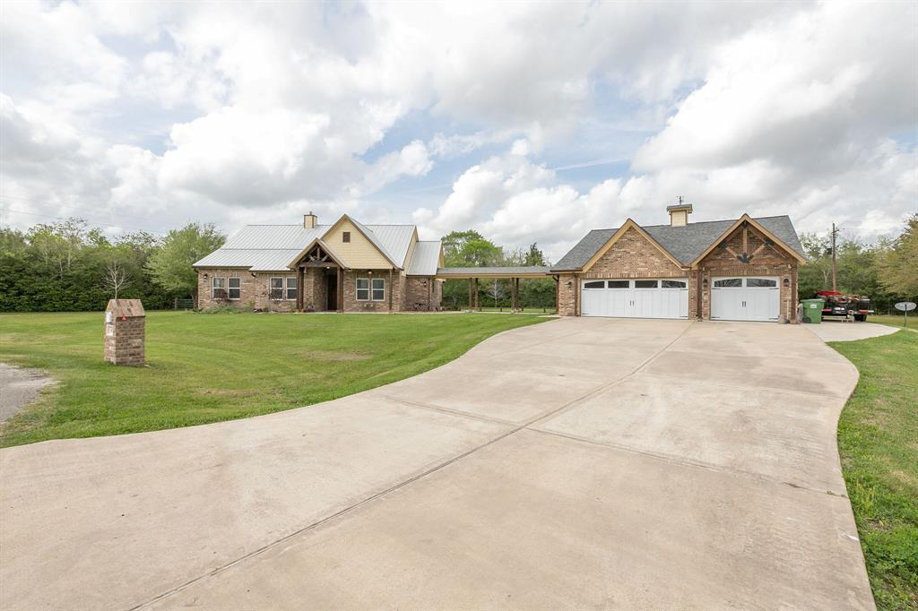 82 County Road 4867, Dayton, TX 77535