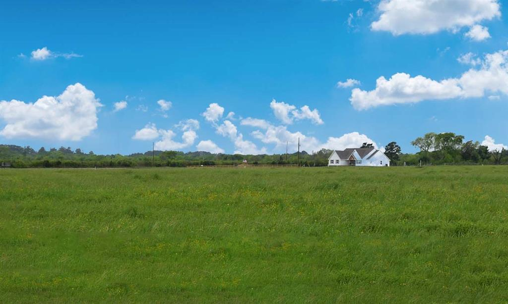Horseshoe Acres! Conveniently located just a short distance outside of Anderson Tx, on CR 220 making it quick and easy to get to either College Station, Navasota, Huntsville or Lake Conroe! Come create your dream home in sought after Anderson ISD with clean country living.  Horseshoe Acres is 21 tracts ranging from 2 to 7.3 acres.
