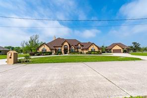 9003 Waterpoint  Drive, Beach City, TX 77523
