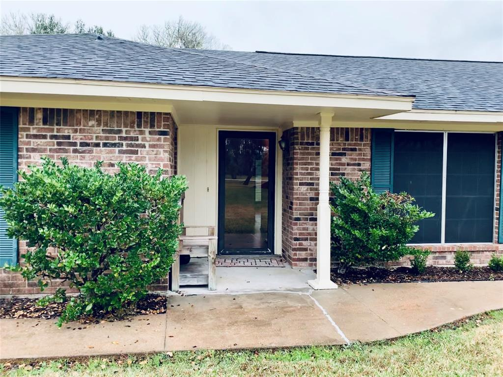 4730 County Road 571, West Columbia, TX 77486
