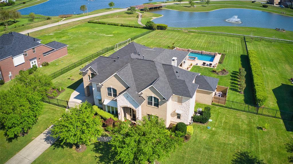 3937 Lake Star Drive, League City, TX 77573
