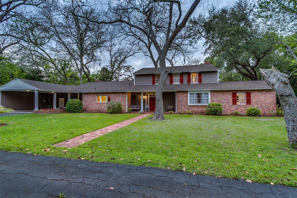 312 Oyster Creek Drive, Lake Jackson, TX 77566