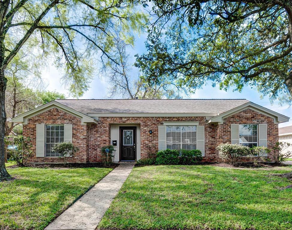 8207 Sharpcrest Street, Houston, TX 77036