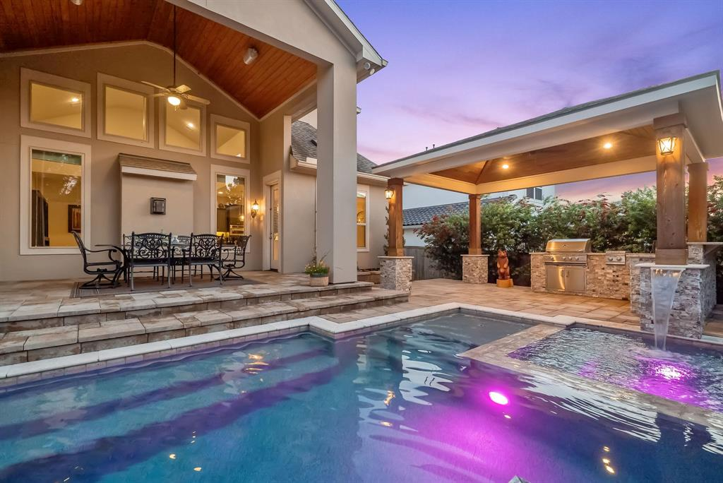 122 S Curly Willow Circle, The Woodlands, TX 77375