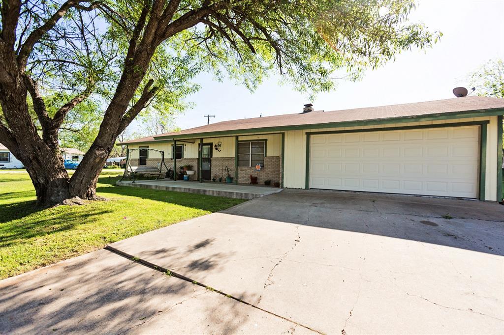 401 Joe Lee Street, Rogers, TX 76569