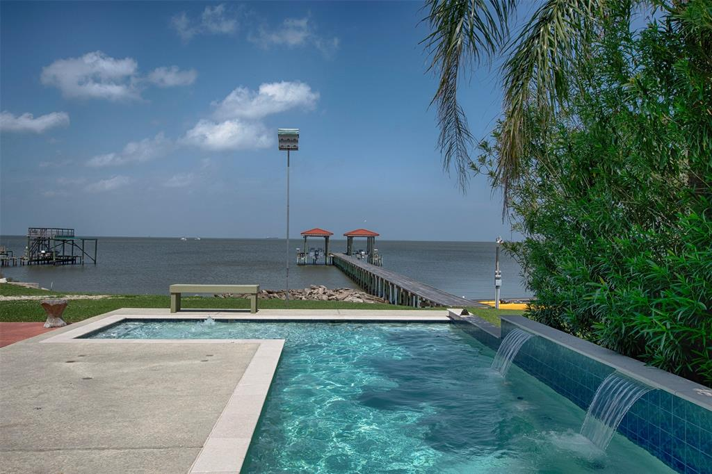 2322 Seaside, San Leon, TX 77539