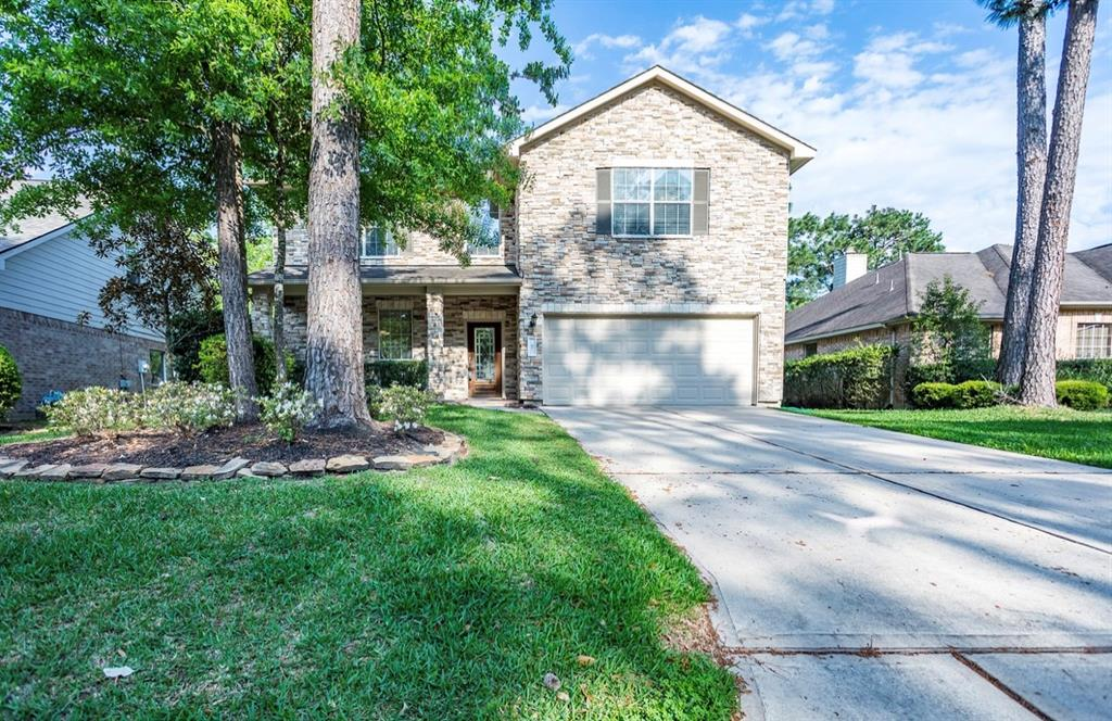 """Fantastic house in Archwyck neighborhood in The Woodlands.  Great floorplan, 2-story home, high ceilings in foyer and living room, master down and a great backyard fully fenced.  The other 3 bedrooms are upstairs plus a game room and 2 full baths.  Kitchen and breakfast nook in one area, the dining room has the potential to become an office or studio.  Upgraded floors downstairs with 18"""" tile, hardwoodlike laminate flooring in master bedroom, on stairs and hallway upstairs.  Washer, dryer and refrigerator included.  Close to YMCA, public library, great schools and just across from the park! Easy commute to shopping, schools, I-45, FM2978 and 99 Grand Parkway."""