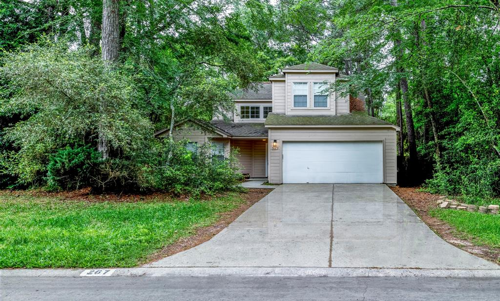 -5 minutes away from The Woodlands Mall. -Great location. -Great Schools (Conroe ISD).