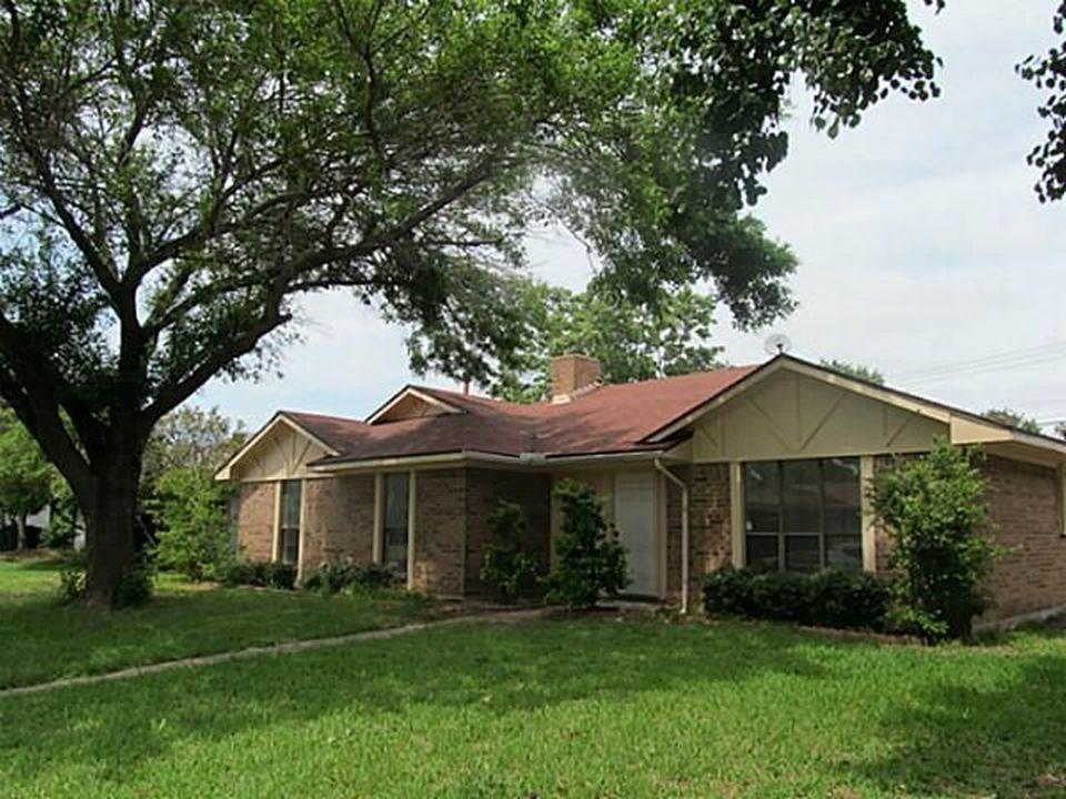 2721 Green Oaks Drive, Garland, TX 75040