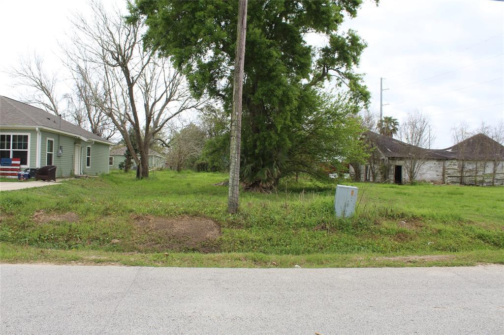 Lot 11 7th St, High Island, TX 77623