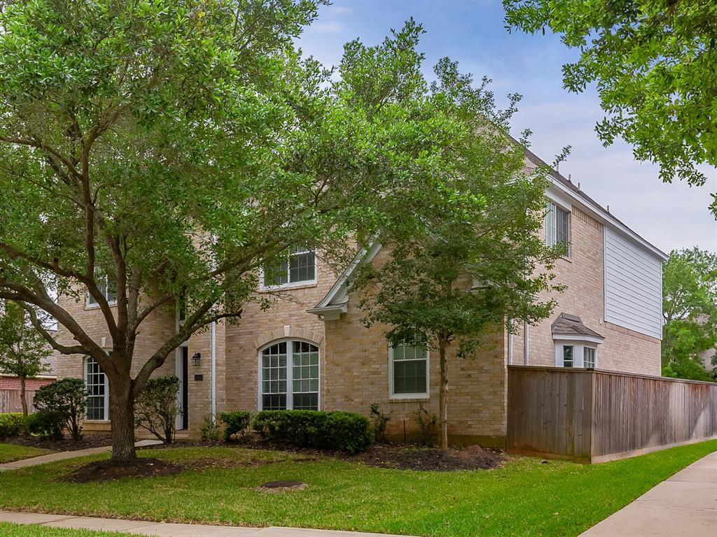 1902 Birnam Glen Drive, Sugar Land, Texas 77479, 5 Bedrooms Bedrooms, 5 Rooms Rooms,3 BathroomsBathrooms,Single-family,For Sale,Birnam Glen,41444033
