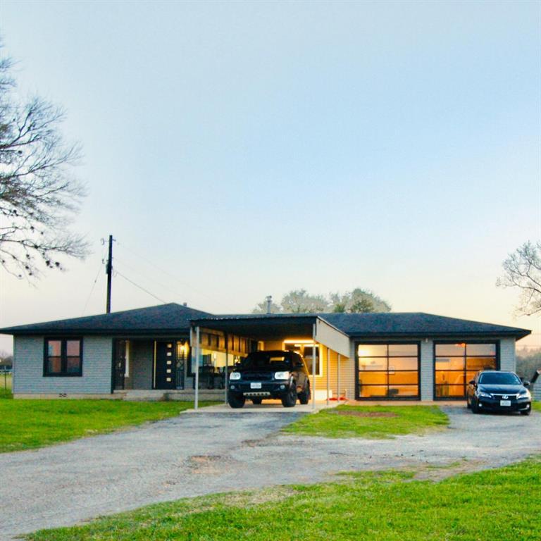 7281 US Highway 90a, Shiner, TX 77984