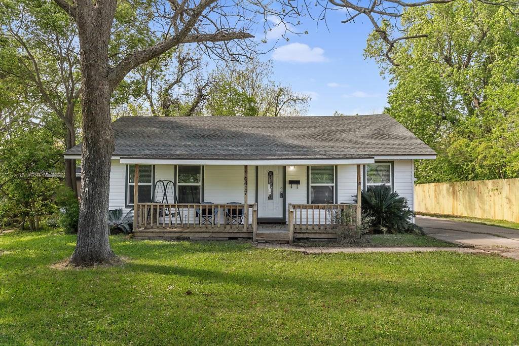 6417 32nd Street, Groves, TX 77619